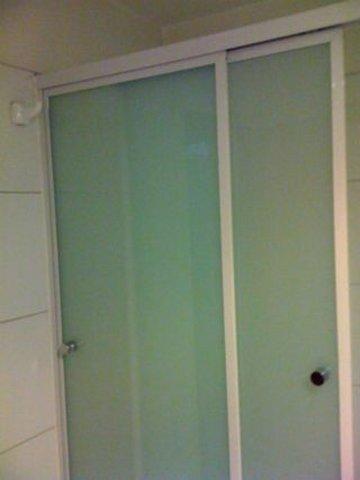 Puertas corredizas de vidrio, fabrica de Vidrios Alustyl